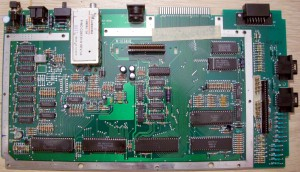 ATARI 800 XL - NTSC - Serial 72RHA 213491 D-464 - FRONT CA061854REV D - DOT 454 - W-18 94HB - BACK 800XL C061851 REV D - FRONT