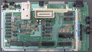 ATARI 800 XL - PAL V6 - Serial Unknown - FRONT OA061854 REV D PBT 414 - BACK 800XL C061851 REV D OPC 1298A 33-84 - FRONT